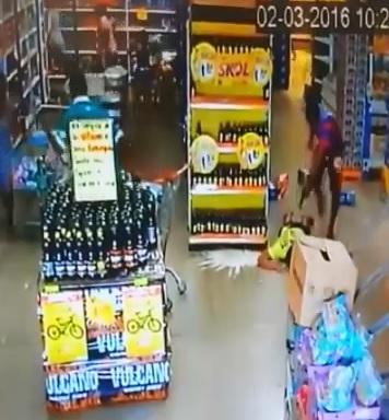 Man is Violently Shot to Death inside Market..Kids are a Few Feet Away