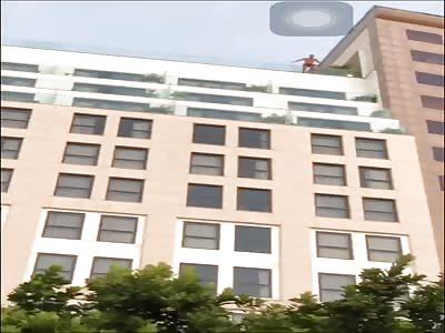 MAN JUMP TO HIS DEATH IN COPACABANA, RIO