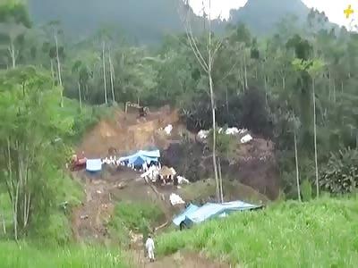 Pipeline Break Spills Oil Into Amazon Waterways