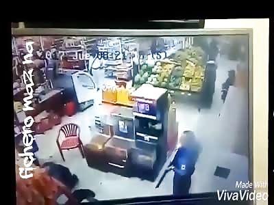 Assault and murder in a supermarket