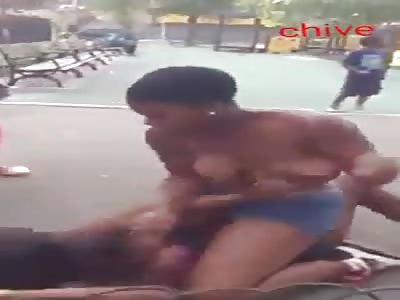 WOMEN NIGGAS FIGHTING
