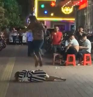 Sickening Attack: Jump on Woman's Head!