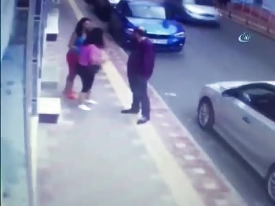 Woman Stabs Ex Boyfriend in the Street
