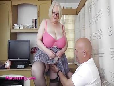 Sally meets a BBW lover