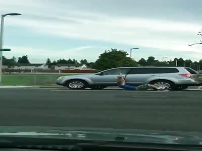 NAKED GUY REFUSES TO LET CARJACKER WIN