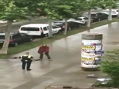 crazy man holding big knife arrested by police