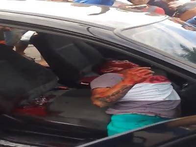 Thief gets shots inside the car