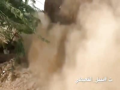 Nabil al - Quaiti documents the burial of the bodies of the militia al - Houthi in Al - Jahah