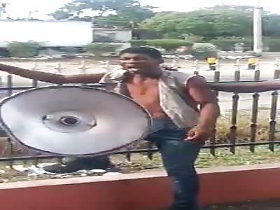 jamaican bicycle thief get slapped