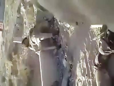 Soldiers makes jokes with terrorist daesh dead 2