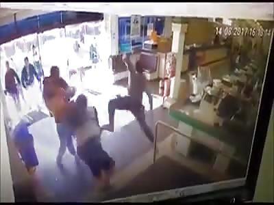 man being stabbed in joaçaba brasil