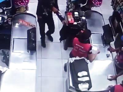 Assault on market in São João do Rio Brazil