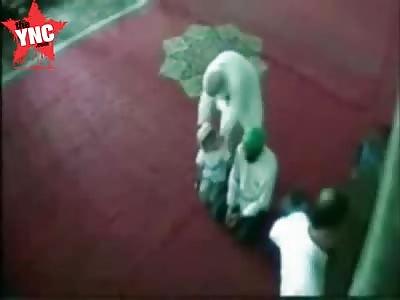 a muslim man in a mosque dies after