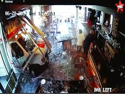 Driver Crashes into a bar in Philadelphia