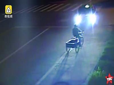 3 wheel cargo tricycle driver dies