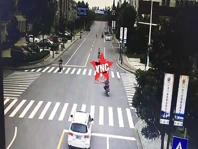 electric car driver run a red light