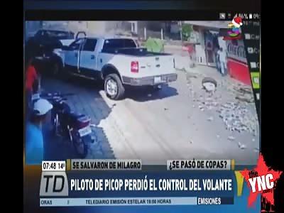 pick up crash in Guatemala