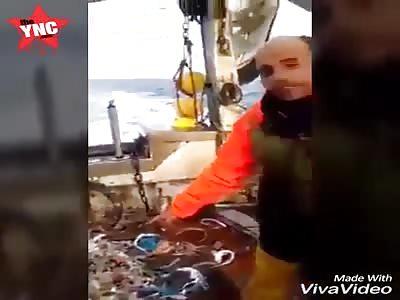 fisherman catch a rotting Algerian dead man