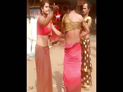 Indian  trannys fighting