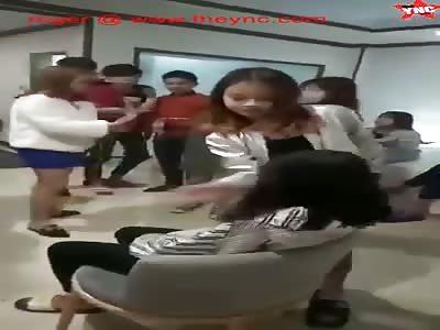 Han school bullies slap a girl for enjoyment