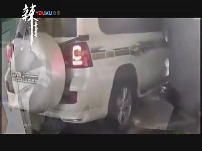 Driver helps pedestrian do his best Kool-Aid man impression