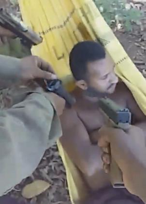 Jungle Hammock Execution