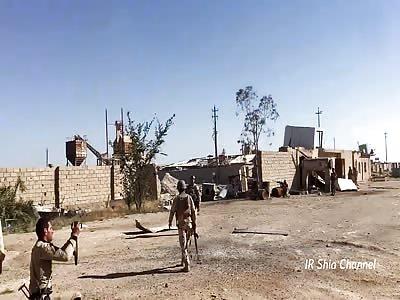 Iraqi Army Fight ISIS