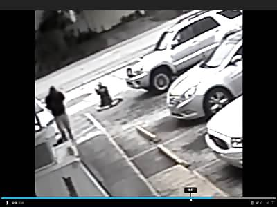 Scum Gets Fatally Shot After Shoving Handicapped Man Over in Florida