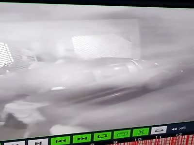 CCTV Murder: Victim Killed in Robbery @1:38