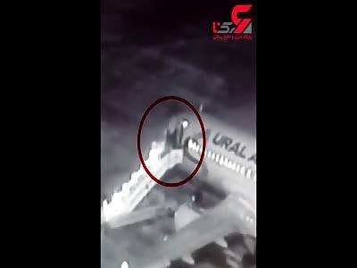 Fatal fall when boarding an aircraft