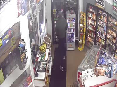 Machete vs knife Gas station