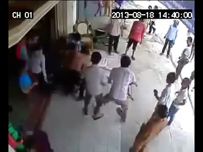 2 Men caught Stealing....