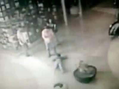 Kid falls from Escalator in Shopping Mall