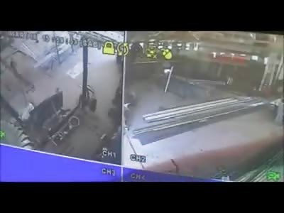 Shocking Footage Shows man Stab to Death Coworker in Brutal Savage Manor
