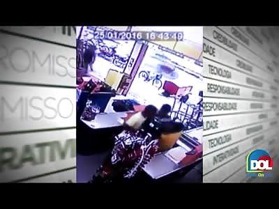 Supermarket Clerk is Shot Dead by Thief