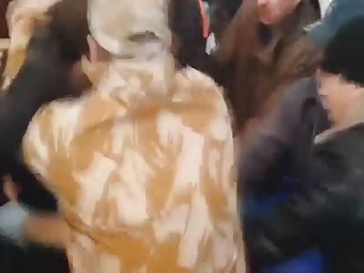 Ukrainians throws politicians in rubbish bin again