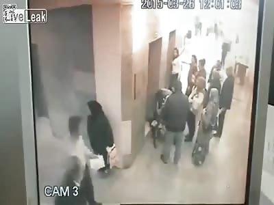 Sandnigga Woman Leaves Nasty Surprise on Hospital Floor