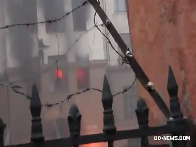 Odessa May 2, 2014. Falling from the window of people seeking killer neo-Nazis