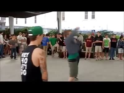 Guy gets kicked in Balls by crazy Hardcore dancing Midget.