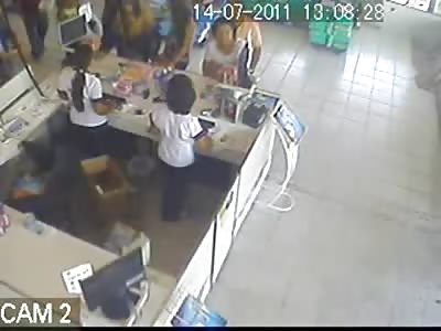Attendant dies with a headshot in pharmacy. Maceió/AL - Brazil
