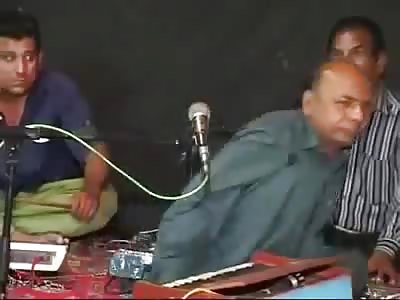 Pakistani Singer reaction on bullet fire