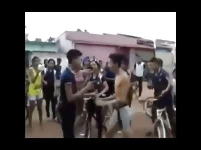 2 Brazilian Effeminate boys fight over Facebook post. LOL