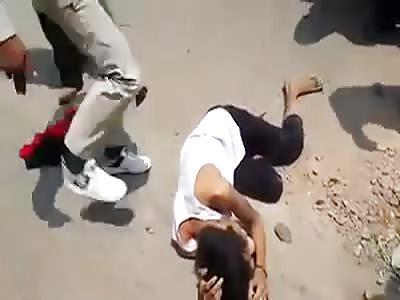 THIEF GET INSTANT JUSTICE IN CAMBODIA.
