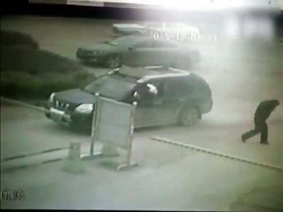 MAN DIES BURNED AFTER CAR EXPLOSION