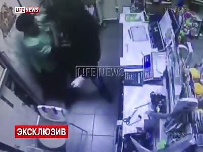 Female pharmacy clerk fights knife wielding robber