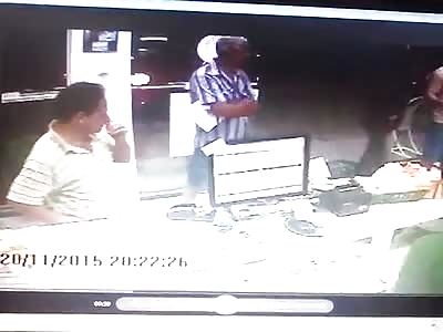 Elderly Customer Fights Off Armed Robber